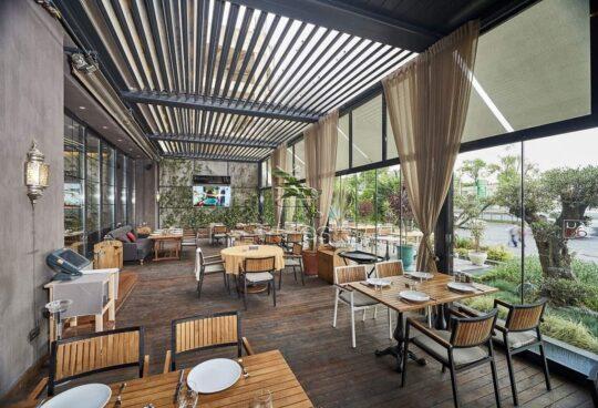 Bioklimatiska Plus pergola restorani