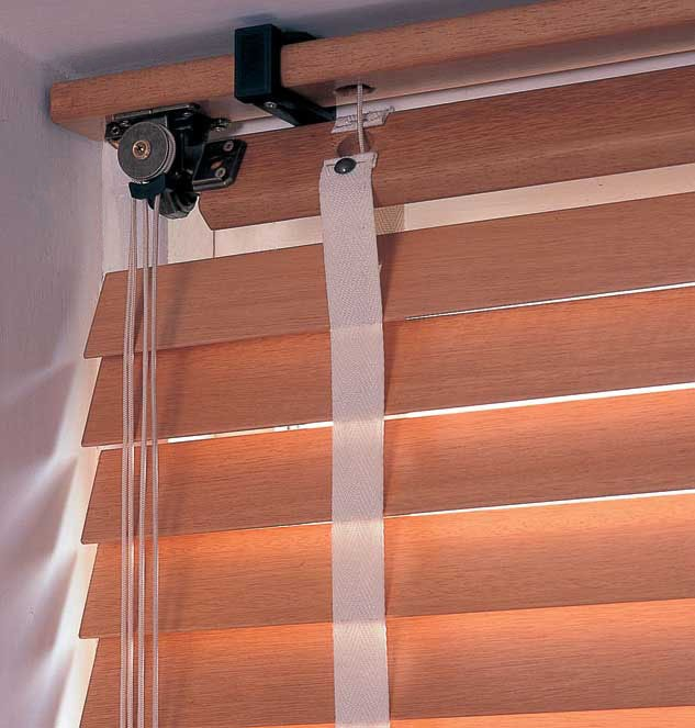 Classic wooden blinds mechanism
